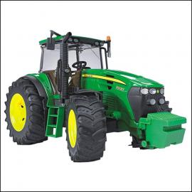 Bruder John Deere 7930 Tractor 1.16 Scale 1